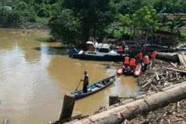 Ayah dan Anak Tenggelam di Sungai Barito Masih Dicari