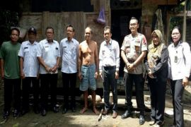 Pemkab Barut survei 50 lokasi bedah rumah di 6 kecamatan