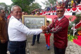PT Sukajadi Sawit Mekar dan PT MAS Bantu Bangun Jalan Kebun Raya Sampit