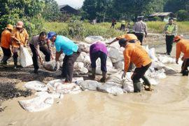 DPRD desak Pemkab Gumas segera atasi infrastruktur jalan