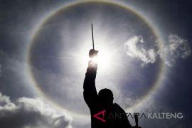 Lagi, Warga Muara Teweh lihat fenomena 'Halo Matahari'