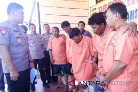 Ingin kabur! 3 pencuri sarang walet asal Jember ditembak Polisi Bartim