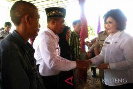 Wakil Bupati Barsel serahkan 1.594 sertifikat tanah