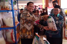 Harga murah, Bulog buka 'Pasar Rakyat Kita'