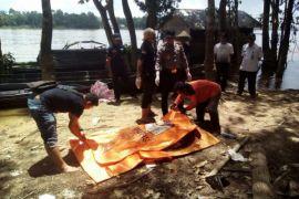 Ternyata! Mayat mengapung di Sungai Barito korban pembunuhan