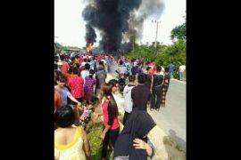 Heboh! mobil tangki BBM ludes terbakar di Pasir Putih Gumas