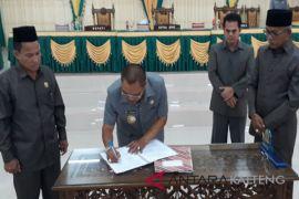DPRD - Pemkab Lamandau sahkan Perda Pedoman Pembentukan Produk Hukum Daerah