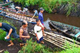 Warga Desa Garong diduga hilang tenggelam saat cari kayu galam