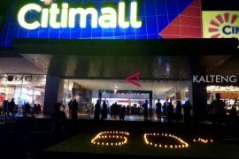 Peringati Hari Bumi, mal di Sampit padamkan listrik