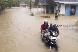 Muara Teweh banjir, PLN padamkan listrik