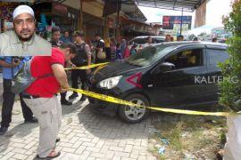 Harta nasabah BCA Rp108 juta ditaruh di mobil dicuri