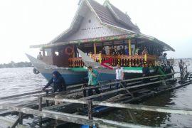 Murah meriah, wisata susur Sungai Mentaya makin diminati