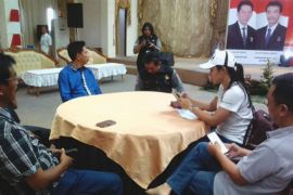 Debat Pilkada Barut disiarkan langsung  radio dan TV lokal