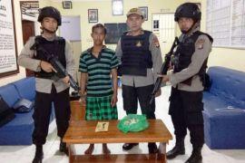 Polisi amankan pencuri sarang walet di Desa Batampang