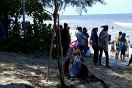 Dilanda abrasi, Pantai Ujung Pandaran tetap jadi favorit wisatawan
