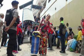 Arus balik di Pelabuhan Sampit masih ramai