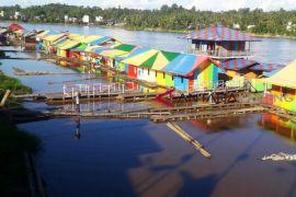 Pedalaman Sungai Barito bisa dilayari kapal dan tongkang
