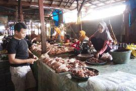 Harga daging ayam di Barsel masih tinggi