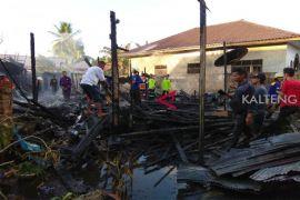 Heboh, rumah di Jalan Pantung hangus terbakar