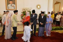 Presiden Jokowi Silahturahmi Lebaran Dengan Masyarakat