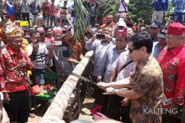 Artikel - Potong pantan, kearifan lokal Suku Dayak mendeteksi dini radikalisme