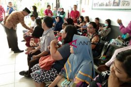 Riban Satia instruksikan periksa mendalam alasan ASN tak masuk kerja