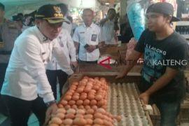 Kenaikan harga telur tarik perhatian Supian Hadi