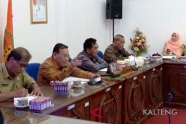 DPRD-Pemkab Barsel bahas lima raperda