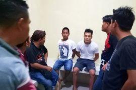 Polisi bekuk dua penganiaya dan perampas uang milik warga Palangka Raya