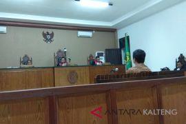 Rojikinnor dituntut enam bulan penjara