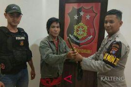 Warga diimbau serahkan senjata api supaya tidak diproses hukum