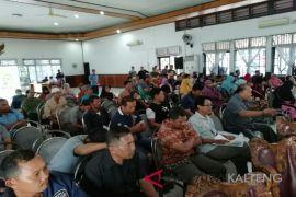 Puluhan pedagang Pasar Mangkikit Sampit permasalahkan penaikan harga kios