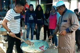 Ini nilai positif tradisi berbagi bubur asyura bagi masyarakat Sampit