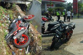 Motor vs mobil akibatkan satu orang tewas