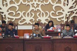 Seluruh fraksi pendukung DPRD Kalteng setuju Raperda APBD-P 2018