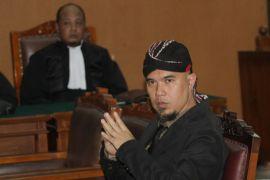 Ahmad Dhani tegaskan dirinya bukan musisi lagi namun sebagai politisi
