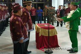 Lantik Taufiq Mukri jadi Ketua Umum DAD Kotim, ini pesan Agustiar