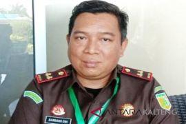 Diduga Korupsi ADD Rp799 juta, Kejari Kobar tahan Kades Suka Makmur