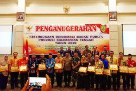 10 SOPD Kalteng dapat penghargaan dari Komisi Informasi
