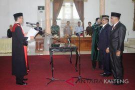 Jabatan dua Wakil Ketua DPRD Sukamara akhirnya terisi, ini harapan Bupati