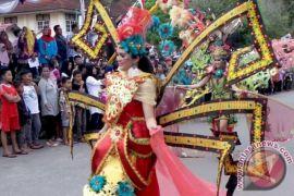 Ratusan kostum unik siap meriahkan 'Sampit Ethnic Carnival'