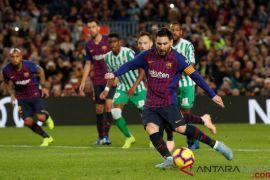 Real Betis berhasil permalukan Barcelona dikandang sendiri