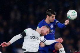 Gol bunuh diri, Chelsea menang tipis atas Derby County