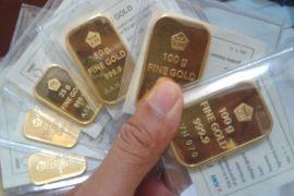 Harga emas merangkak naik