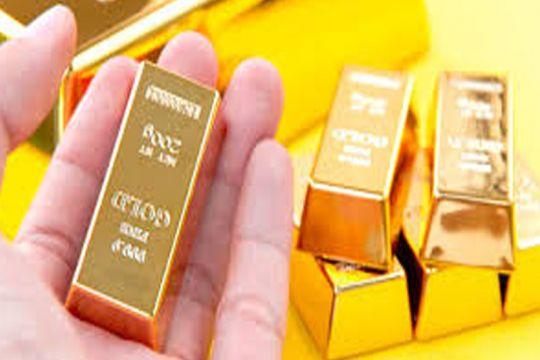Harga emas kembali turun dengan menguatnya dolar dan saham