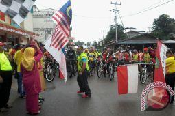 Pesepeda Singapura Malaysia Jelajahi Pulau Singkep