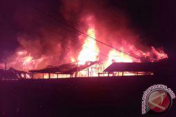Api Hanguskan Pasar Daik Lingga
