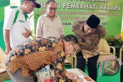 Awe Bersama  97 Bupati Deklarasikan Kabupaten Penghasil Kelapa