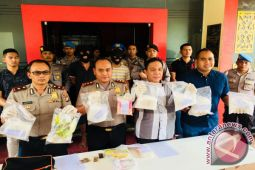 Polres Tanjungpinang Ungkap Modus Penyeludupan Ekstasi dan Sabu