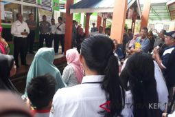 Warga Karimun pertanyakan kebijakan zonasi PPDB